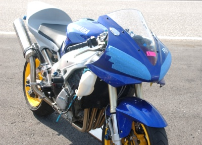 My Yamaha YZF-R1 2001 Right Front